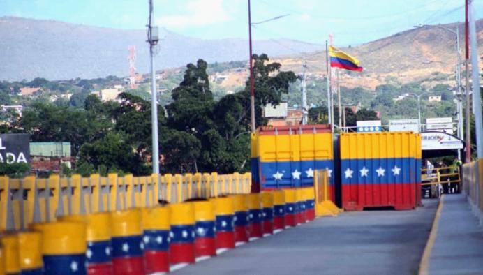 委内瑞拉单方面宣布全面重开与哥伦比亚陆路边境
