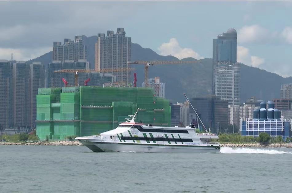 香港天文台改发三号强风信号
