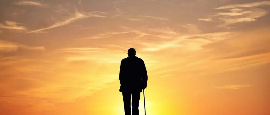 """""""重阳节""""看《屋檐之夏》,3000万+独居老人如何生活?"""