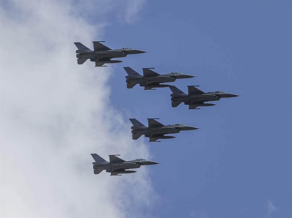 台媒炒作F-16V提前交际可能性 台网友:提前掏空台湾