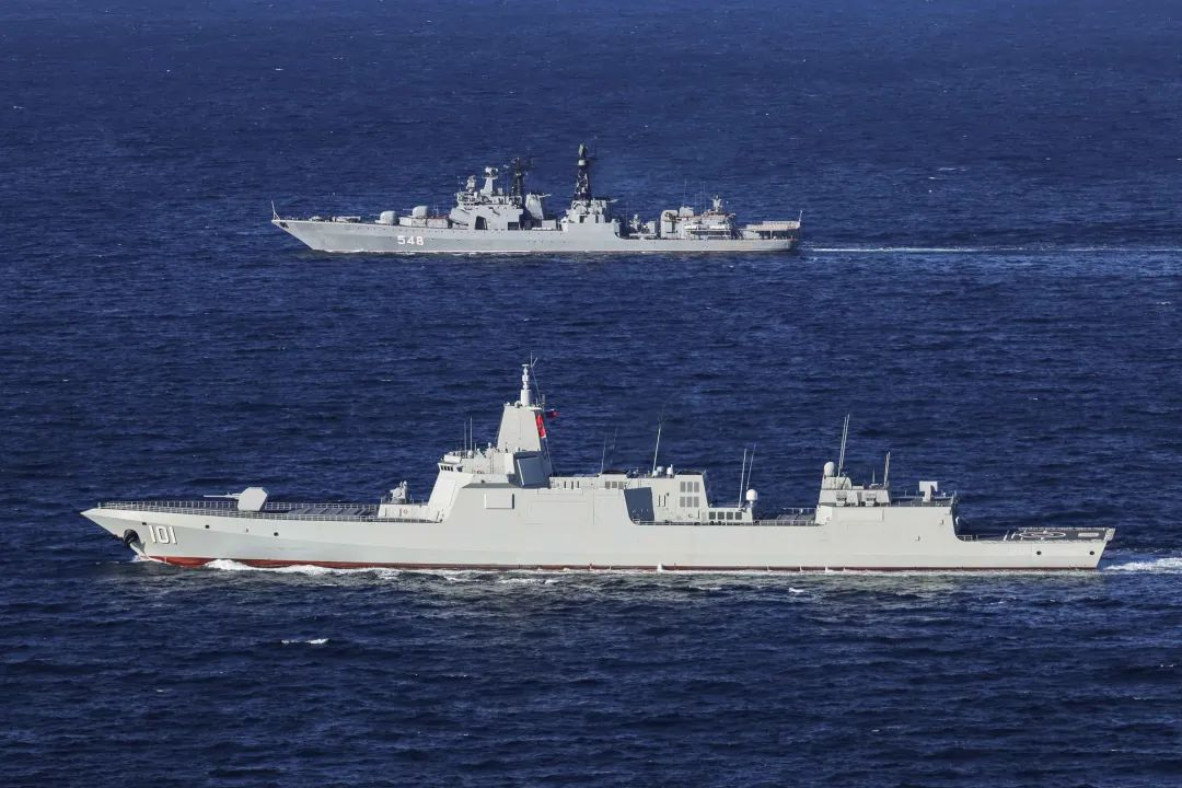 中俄联演开启实兵演习 万吨大驱南昌舰首次出国参演