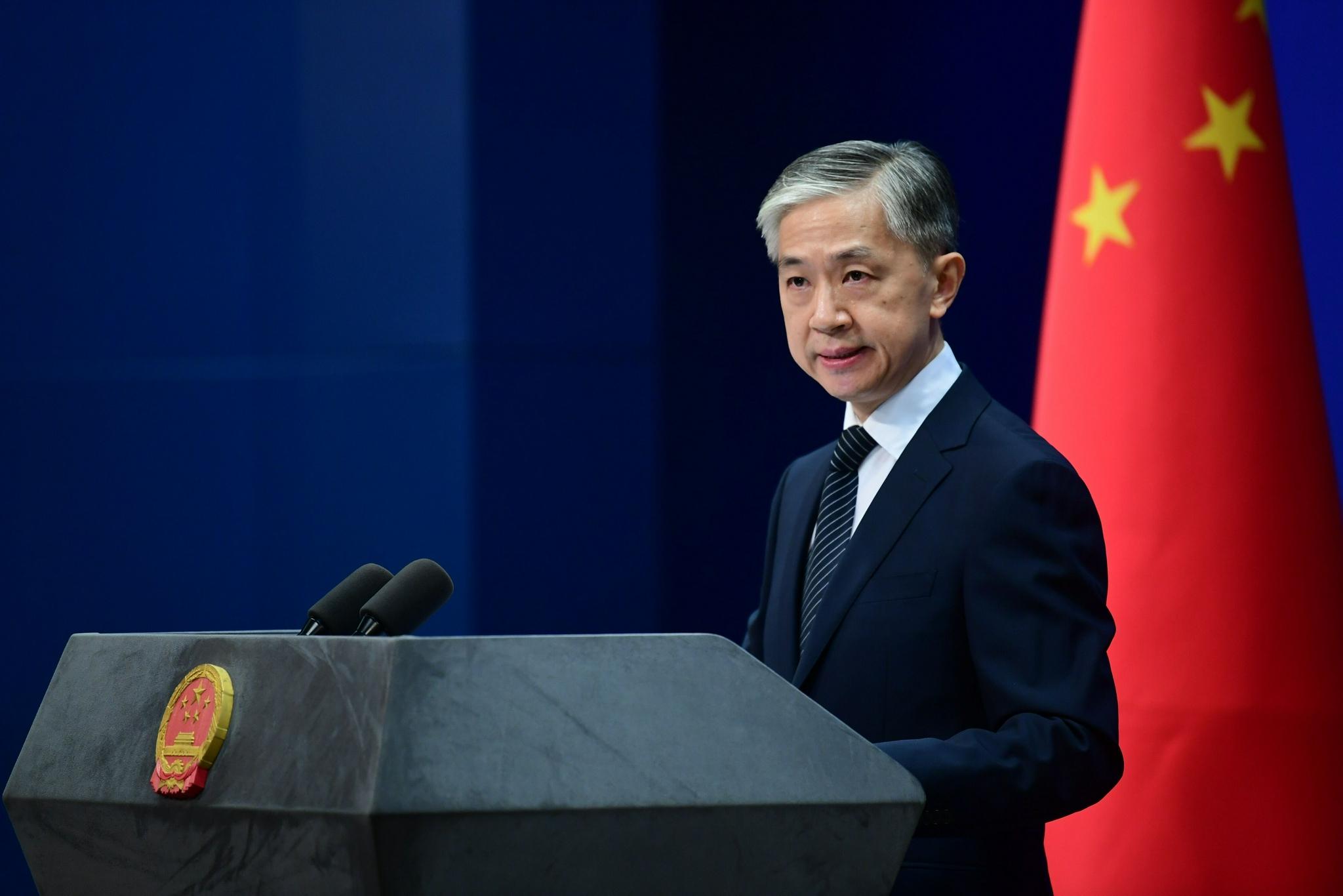 """美国领导人宣称美国会为""""保卫台湾""""对抗中国,外交部回应:不要站在14亿中国人民的对立面!"""