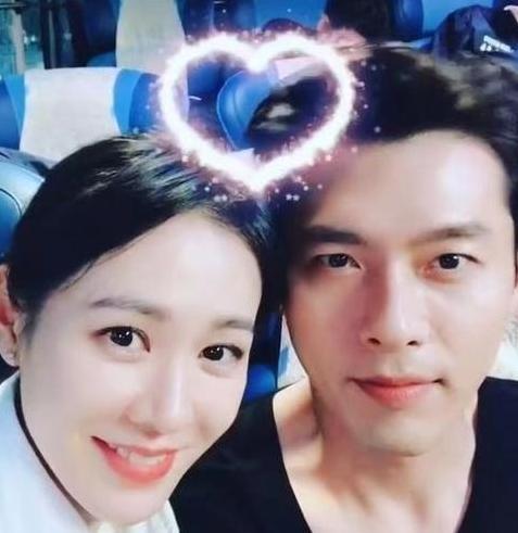 韩国演员玄彬与孙艺珍官宣恋情