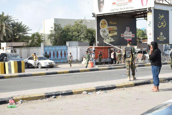 也门胡塞组织遭联军战机报复性空袭