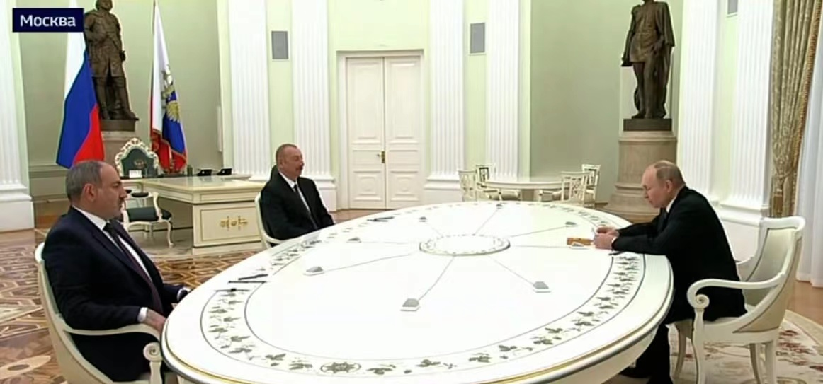 俄罗斯、阿塞拜疆及亚美尼亚三国领导人在莫斯科举行会谈