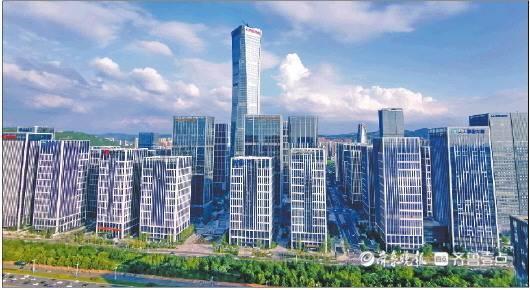 """济南正向着""""大强美富通""""的国际化大都市迈进。(资料片)"""