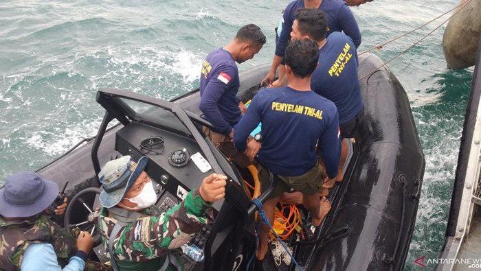 印尼海军找到失事飞机黑匣子