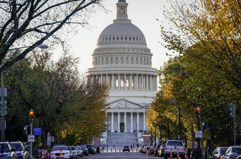 美共和党人向众议院递交谴责特朗普决议