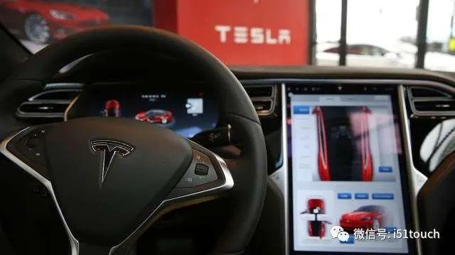 特斯拉触控屏幕的缺陷可能影响行车安全,可能找回16万辆电车