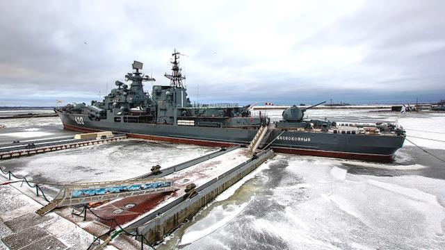 俄退役现代级军舰失窃,前舰长带头偷螺旋桨换钱