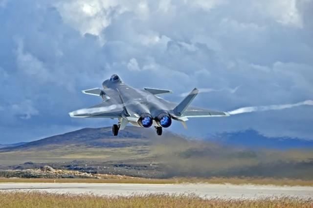 俄专家:俄并没对华捆绑销售苏-35 歼-20目前还得靠俄发动机图片