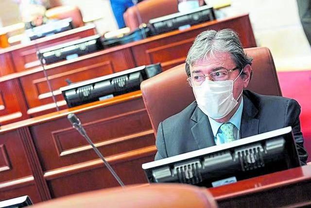 哥伦比亚国防部长感染新冠肺炎入院