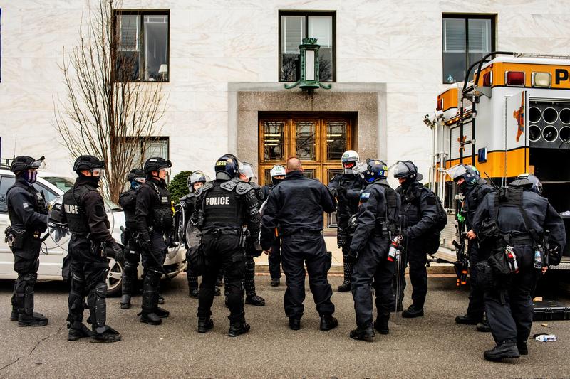 联邦官员警告全美警察局保持警惕 防止暴力事件发生