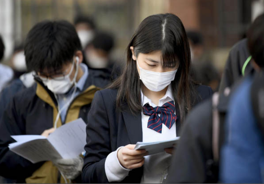 """排不上核酸检测 不少日本考生恐将无缘""""高考"""""""