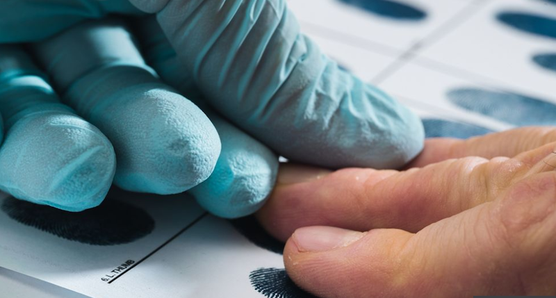 英媒:英国警方承认超过21万份犯罪记录被误删