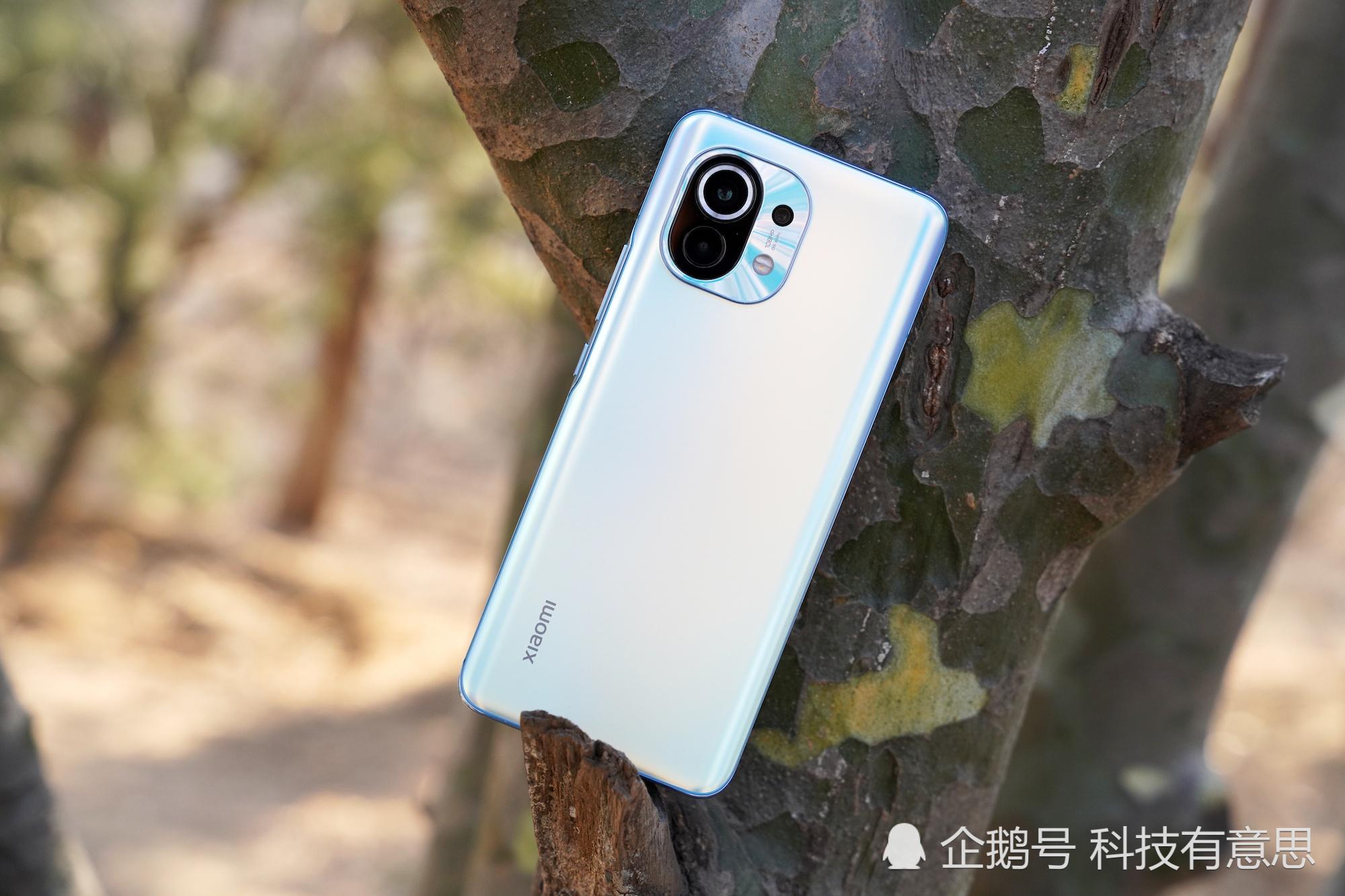 我有个好友,本想买iPhone12mini,最终却选了小米,原因很真实