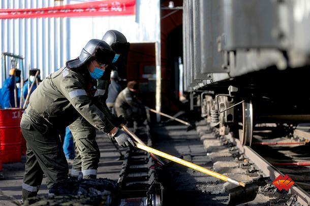 宁夏煤业日均供煤30万吨保区内用户需求