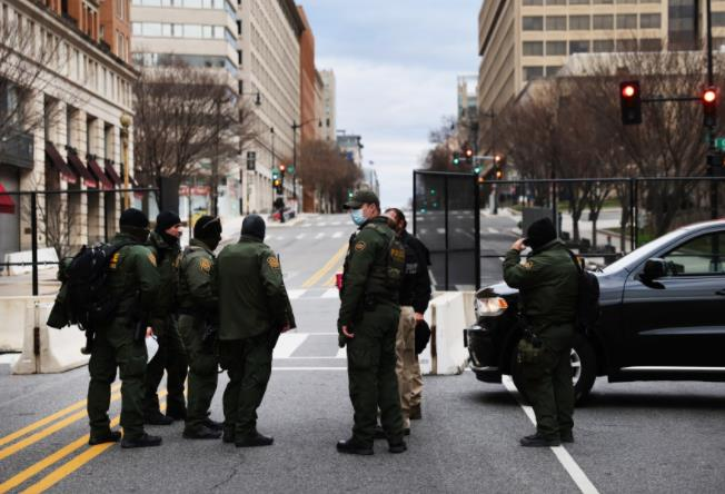 美国女子假冒总统内阁官员 在首都检查站逃离时被捕