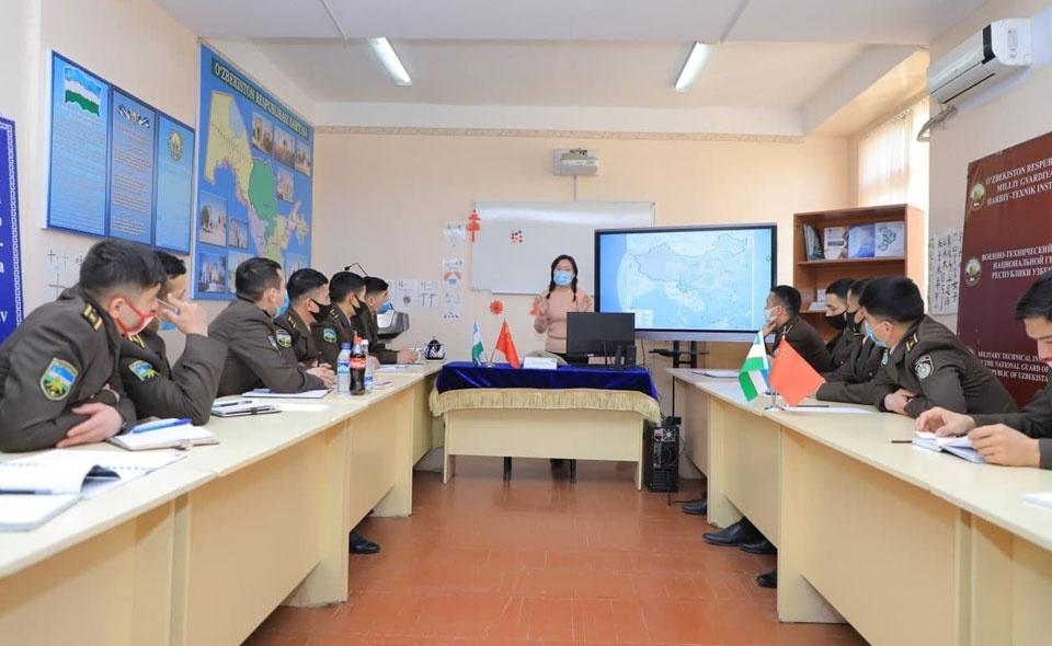 中文热不断升温 乌兹别克斯坦军校开设中文专业