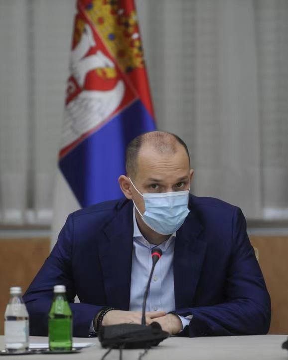 塞尔维亚卫生部长隆查尔将成为接种中国疫苗第一人