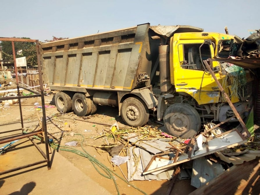 印度古吉拉特邦发生严重车祸 已致15人死亡