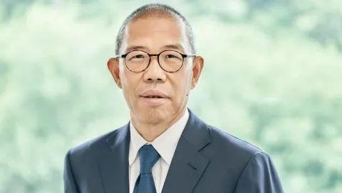 农夫山泉的老板钟睒睒成为亚洲首富,居全球富豪榜第11位