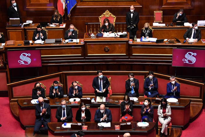 意大利参议院通过对孔特政府的信任投票
