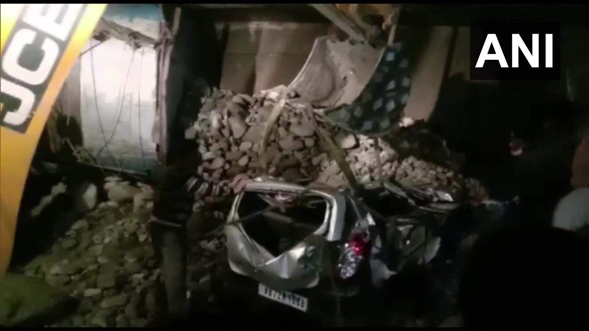 印度西孟加拉邦多车相撞 致13人死亡18人受伤