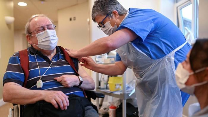 英国:近三分之二养老院居民已接种新冠疫苗