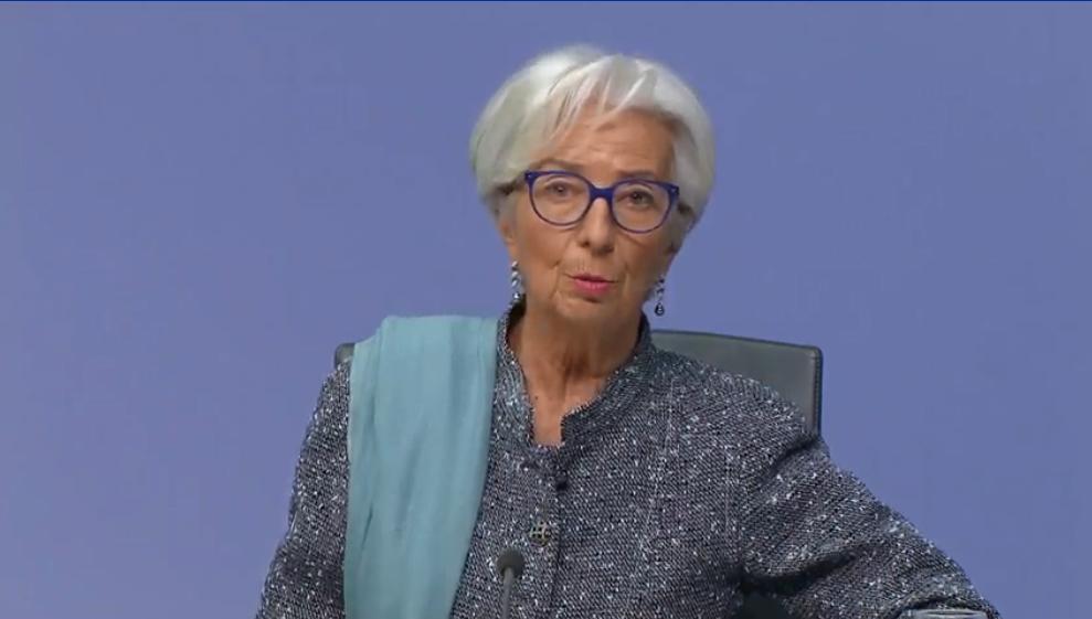 欧洲央行行长拉加德:正密切监控通胀对汇率的影响