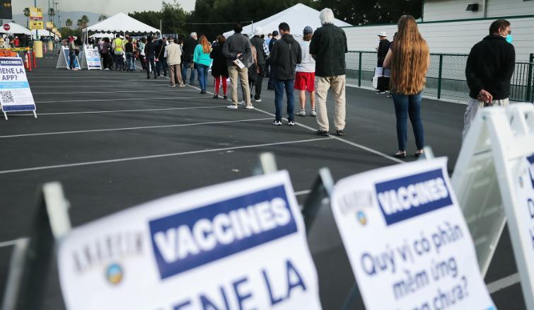 60%的美国人对美政府的新冠疫苗相关工作表示不满意