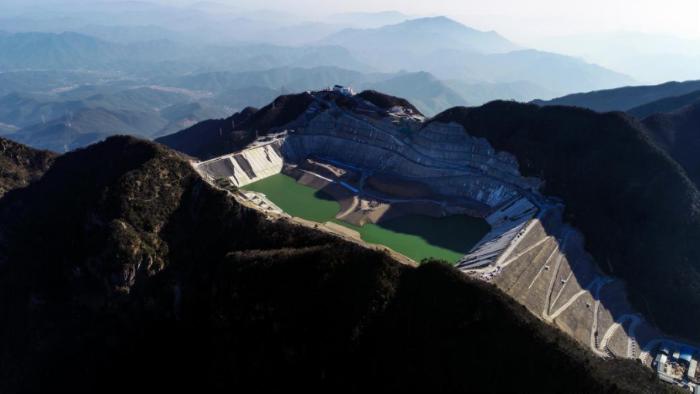 长龙山电站引水系统混凝土滑模衬砌完工