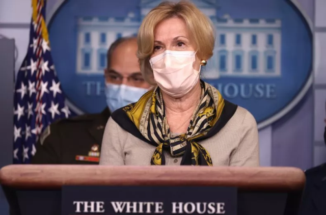 """美国死40万人,前白宫官员称特朗普政府有人坚信疫情是""""骗局"""""""