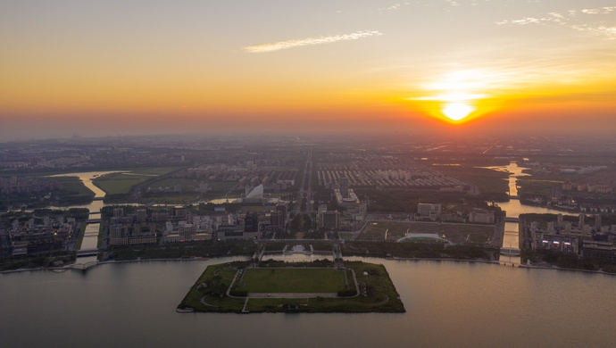 增设临港新片区后,代表建议上海再设立一正局级单位,专门处理这件事图片