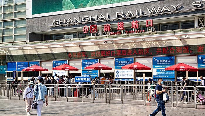铁路春运客流下调27%,部分高铁停运