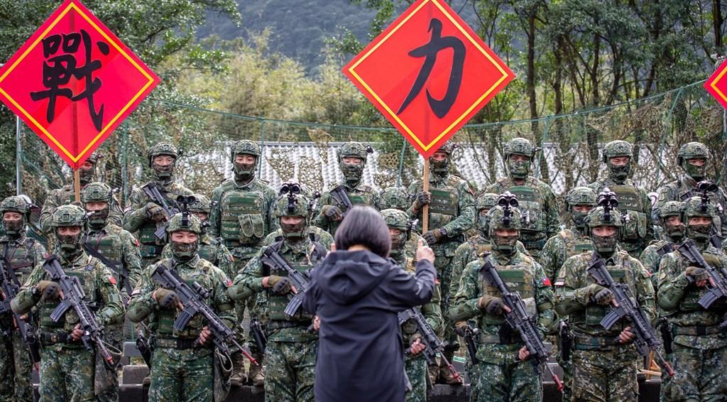 蔡英文透露:光嵩山雷达站 去年侦获解放军军机2000次