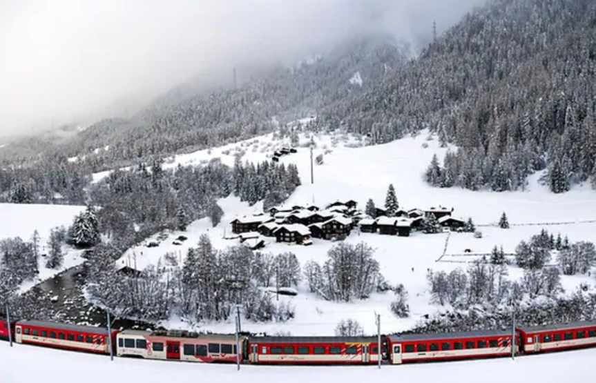瑞士发生雪崩风险极高 多条铁路线路关闭