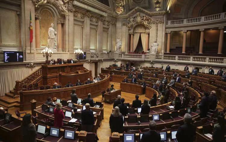 葡萄牙议会批准延长国家紧急状态至2月14日