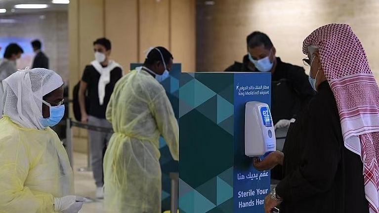 沙特宣布恢复国际航班并重新开放边境