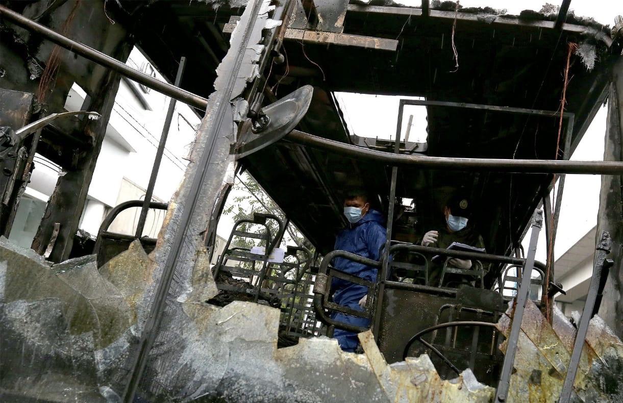 菲律宾一巴士发生大火 造成2人死亡4人受伤