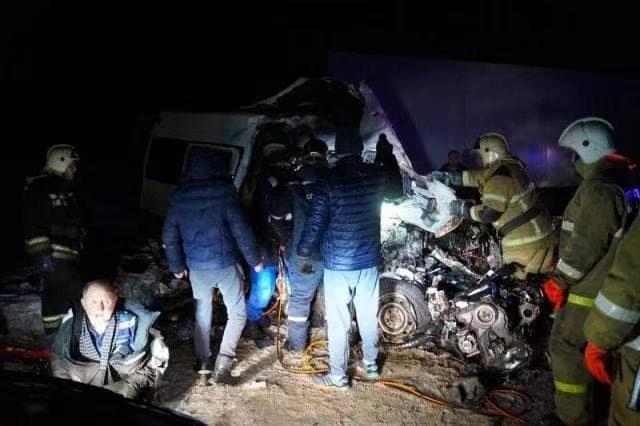 俄罗斯南部城市发生严重车祸 事故致10死14伤