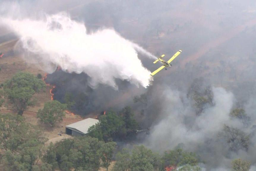 澳大利亚西澳奎那那山火肆虐 过火面积超过230公顷