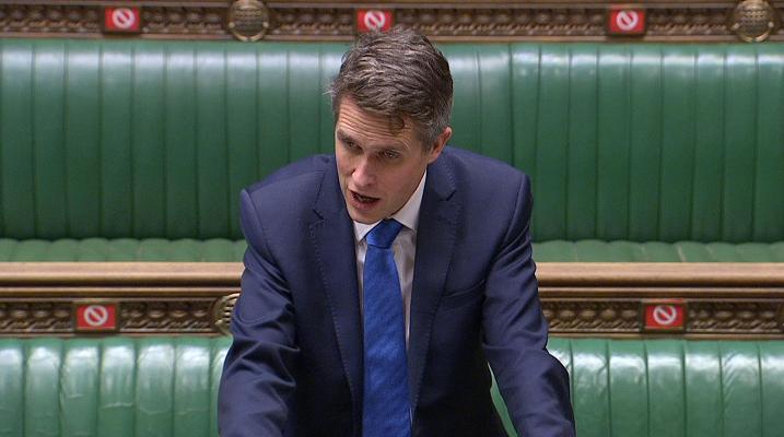 英国教育大臣确认再次取消高考中考