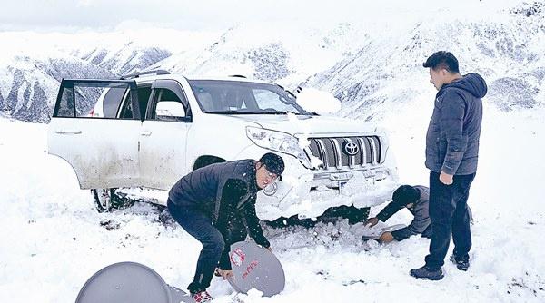 今冬最强寒潮影响我国 多地气温连创新低 奋战在风雪严寒中的纪检监察干部图片