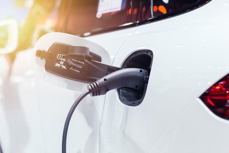 新能源的泡沫已经吹起,特斯拉正在用降价敲开物联时代的大门
