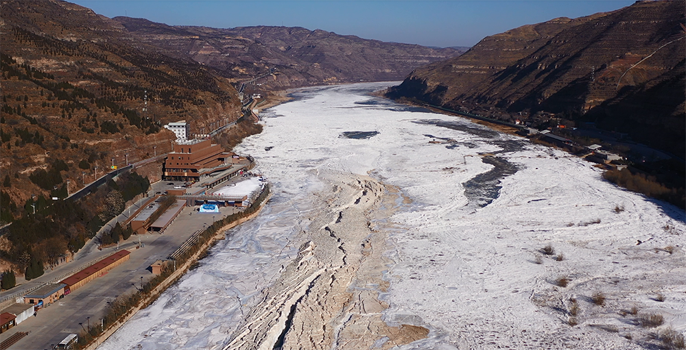 黄河壶口瀑布现冰封罕见景观:被冰凌填平 景区或随时关闭图片