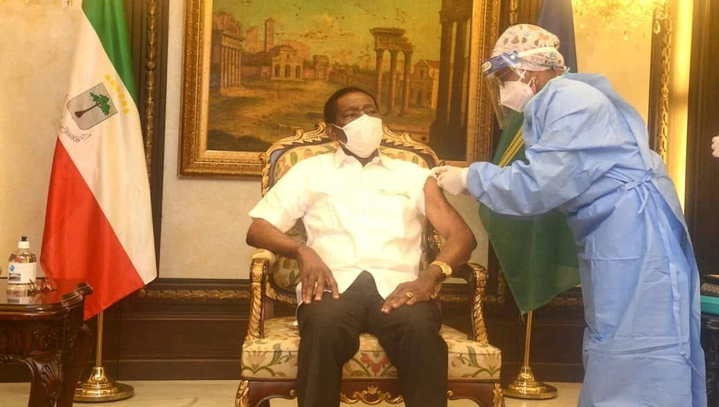 赤道几内亚总统奥比昂接种中国新冠疫苗图片