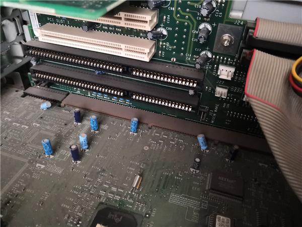 为上世纪化石级电脑升级SSD和显卡:爷的青春回来了!