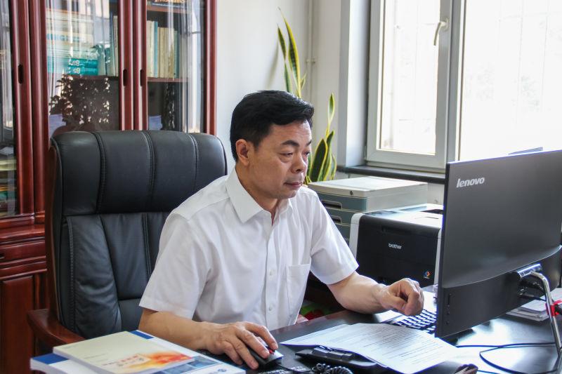 中国工程院院士冯夏庭任东北大学校长