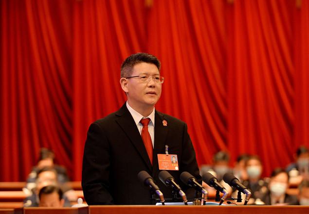 黄明耀向河北省十三届人大四次会议作法院工作报告图片